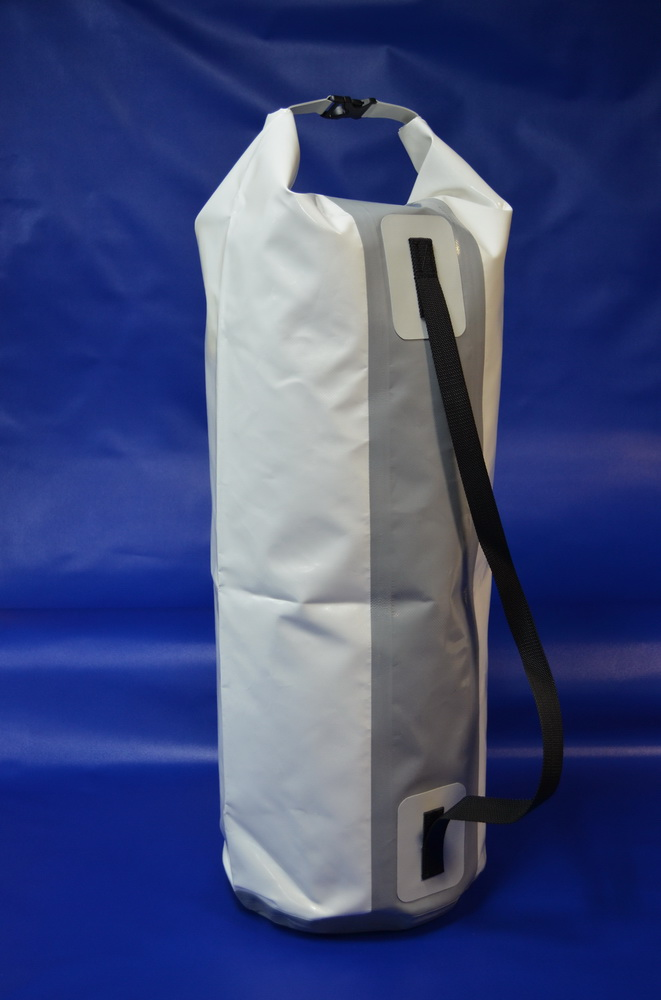DRY BAG OF VERTICAL TYPE